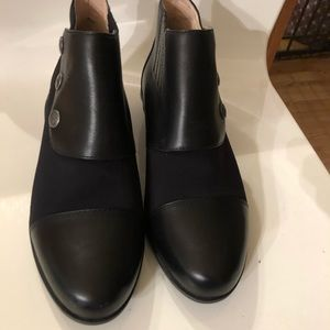 Ariat boots size 7.5 like new condition